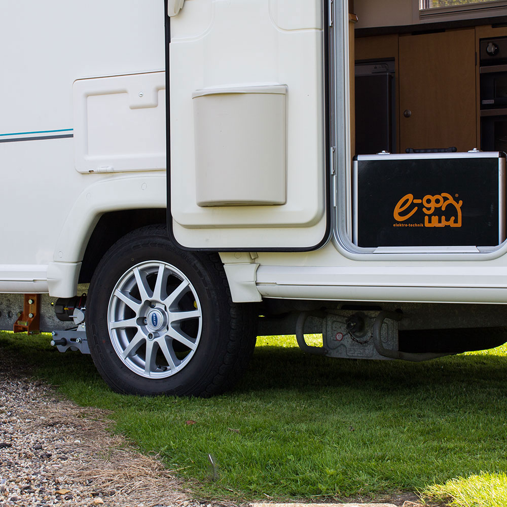 e-go Plug & Play Manual Engage Caravan Mover